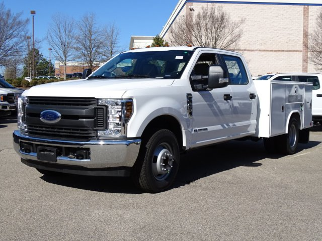 2018 F-350 Crew Cab DRW 4x2,  Reading Service Body #T879793 - photo 39