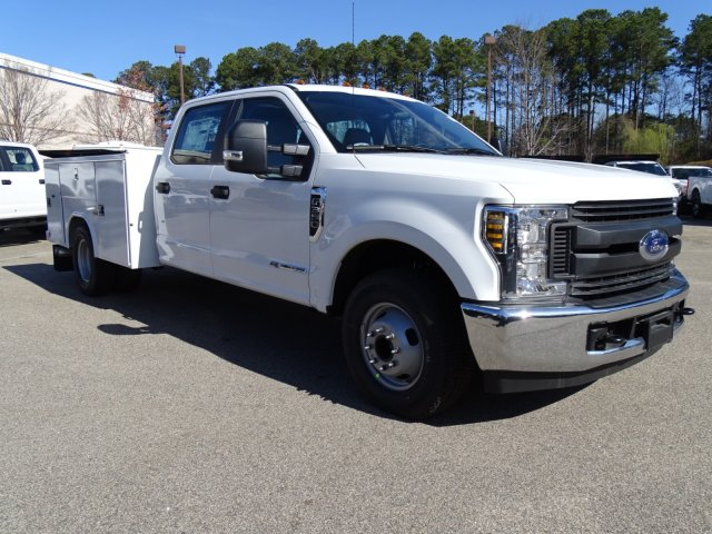 2018 F-350 Crew Cab DRW 4x2,  Reading Service Body #T879793 - photo 40