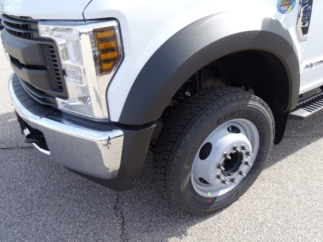 2018 F-450 Crew Cab DRW, Cab Chassis #T889336 - photo 9
