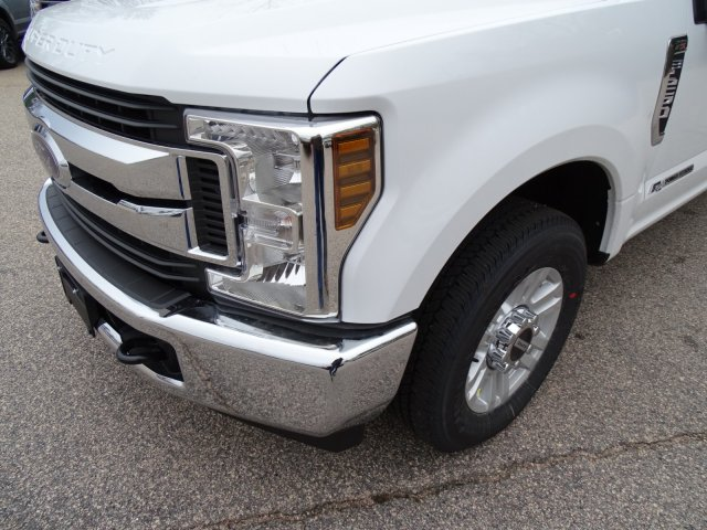 2018 F-250 Crew Cab 4x2,  Pickup #T889443 - photo 9