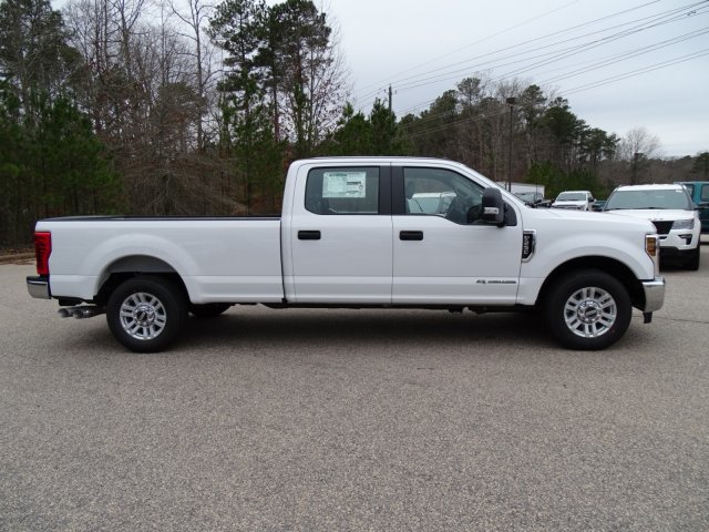 2018 F-250 Crew Cab 4x2,  Pickup #T889443 - photo 3