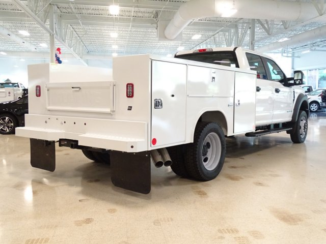 2018 F-450 Crew Cab DRW 4x4,  Reading Service Body #T889758 - photo 4