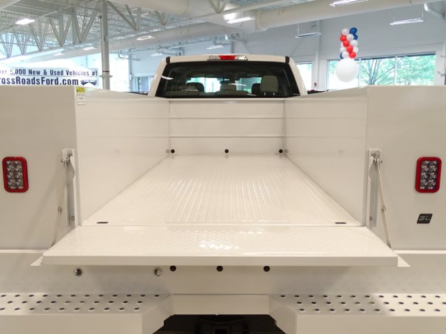 2018 F-450 Crew Cab DRW 4x4,  Reading Service Body #T889758 - photo 40