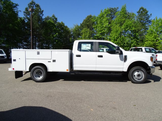 2018 F-350 Crew Cab DRW 4x4,  Reading Service Body #T889759 - photo 3
