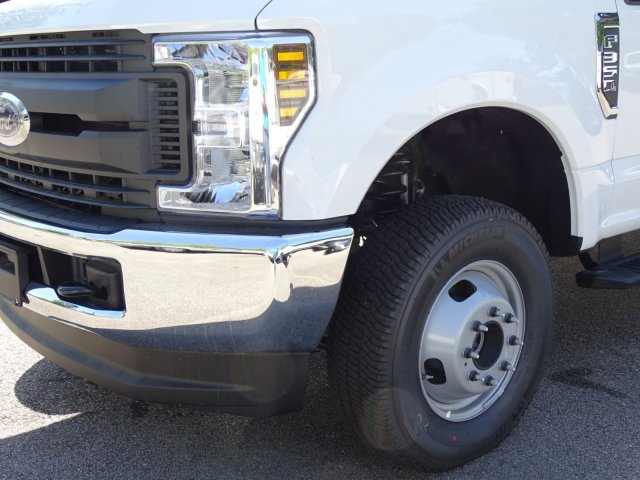 2018 F-350 Crew Cab DRW 4x4,  Reading Service Body #T889759 - photo 10