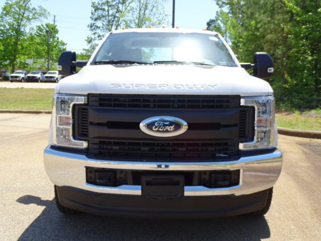 2018 F-350 Crew Cab DRW 4x4,  Reading Service Body #T889782 - photo 9