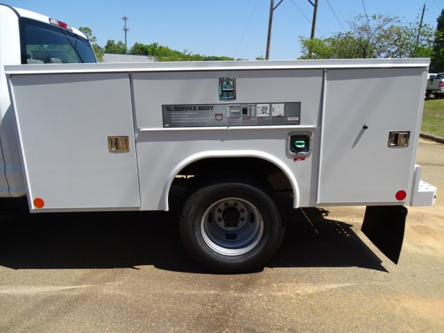 2018 F-350 Crew Cab DRW 4x4,  Reading Service Body #T889782 - photo 34