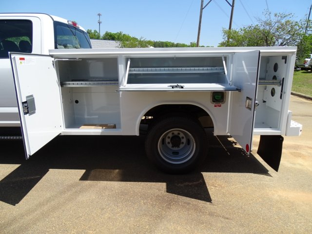 2018 F-350 Crew Cab DRW 4x4,  Reading Service Body #T889782 - photo 35