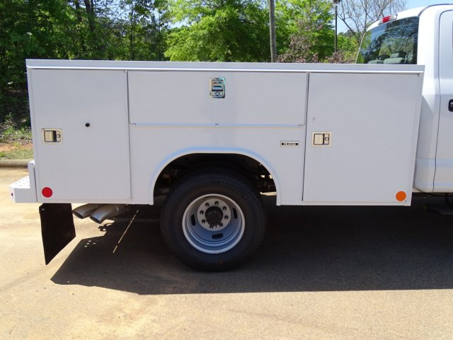 2018 F-350 Crew Cab DRW 4x4,  Reading Service Body #T889782 - photo 38