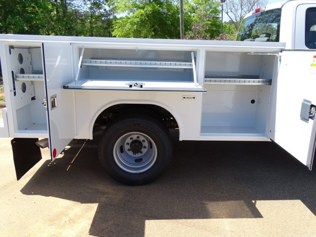 2018 F-350 Crew Cab DRW 4x4,  Reading Service Body #T889782 - photo 39