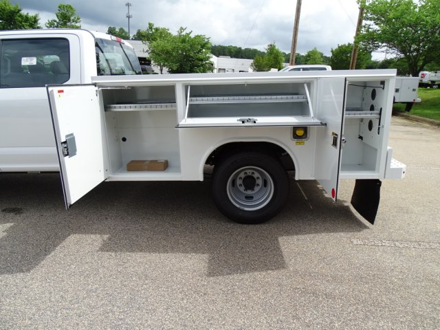 2018 F-350 Crew Cab DRW 4x2,  Service Body #T889791 - photo 35