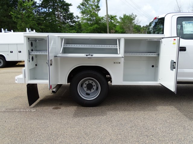 2018 F-350 Crew Cab DRW 4x2,  Service Body #T889791 - photo 38