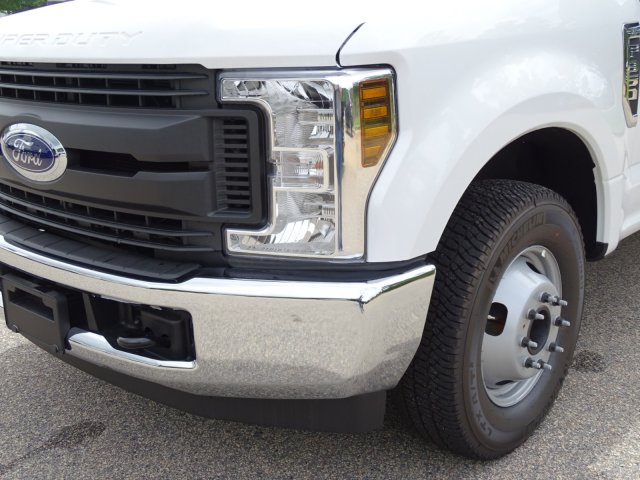 2018 F-350 Crew Cab DRW 4x2,  Service Body #T889791 - photo 9