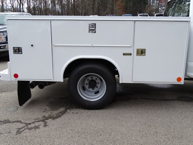 2018 F-350 Crew Cab DRW 4x2,  Reading Service Body #T889800 - photo 35