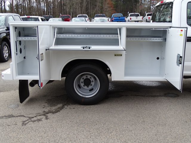 2018 F-350 Crew Cab DRW 4x2,  Reading Service Body #T889800 - photo 36