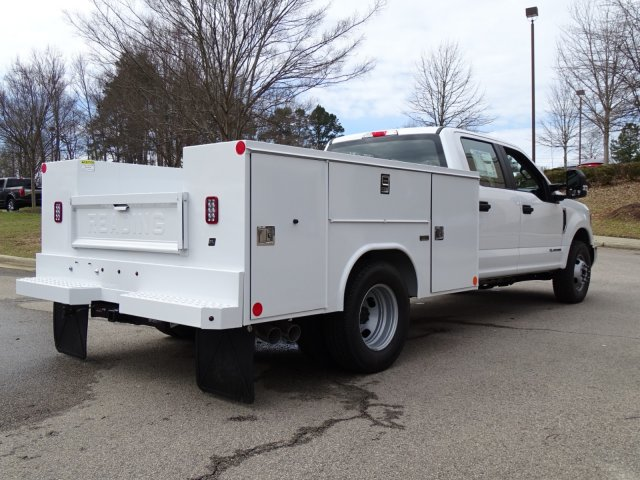 2018 F-350 Crew Cab DRW 4x2,  Reading Service Body #T889800 - photo 2