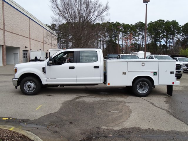 2018 F-350 Crew Cab DRW 4x2,  Reading Service Body #T889800 - photo 7