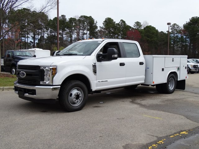 2018 F-350 Crew Cab DRW 4x2,  Reading Service Body #T889800 - photo 3