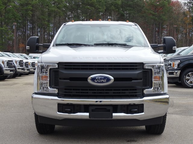 2018 F-350 Crew Cab DRW 4x2,  Reading Service Body #T889800 - photo 8