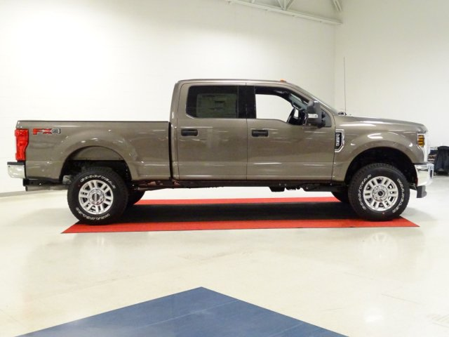 2018 F-250 Crew Cab 4x4,  Pickup #T889806 - photo 4