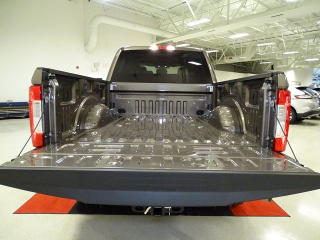 2018 F-250 Crew Cab 4x4,  Pickup #T889806 - photo 30