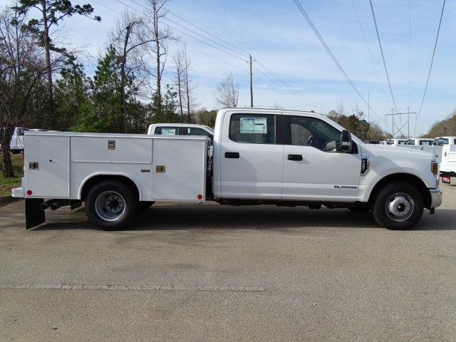 2018 F-350 Crew Cab DRW 4x2,  Reading Service Body #T889851 - photo 4