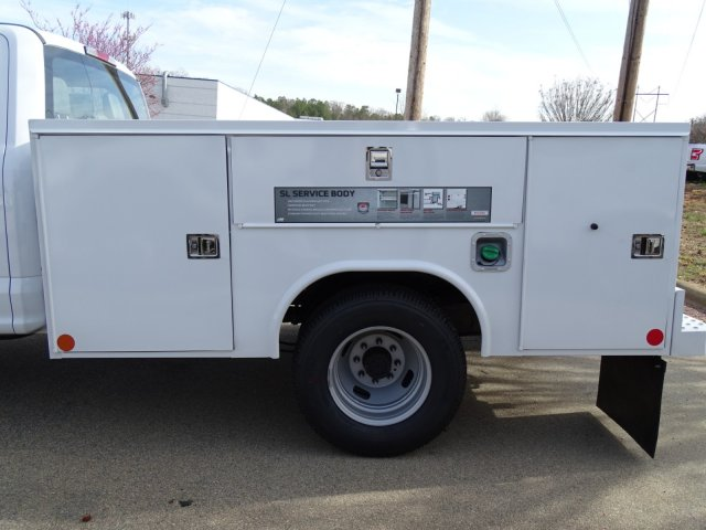 2018 F-350 Crew Cab DRW 4x2,  Reading Service Body #T889851 - photo 30