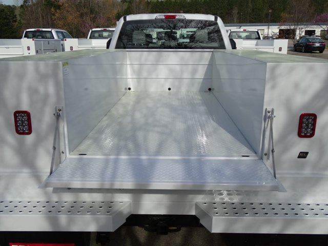 2018 F-350 Crew Cab DRW 4x2,  Reading Service Body #T889851 - photo 33