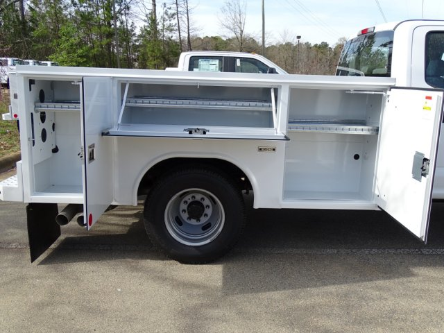 2018 F-350 Crew Cab DRW 4x2,  Reading Service Body #T889851 - photo 35