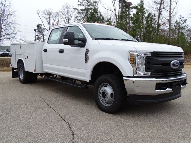 2018 F-350 Crew Cab DRW 4x4,  Reading Service Body #T889853 - photo 3