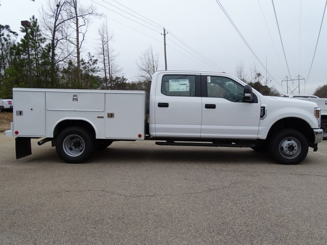 2018 F-350 Crew Cab DRW 4x4,  Reading Service Body #T889853 - photo 4