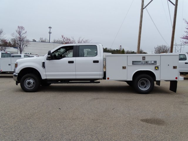 2018 F-350 Crew Cab DRW 4x4,  Reading Service Body #T889853 - photo 7