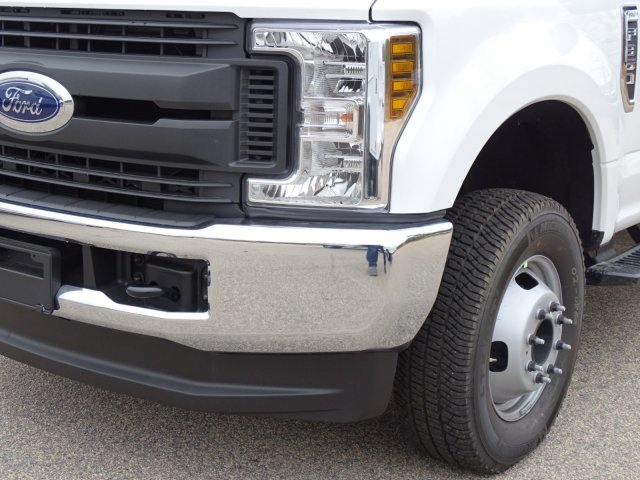 2018 F-350 Crew Cab DRW 4x4,  Reading Service Body #T889853 - photo 9