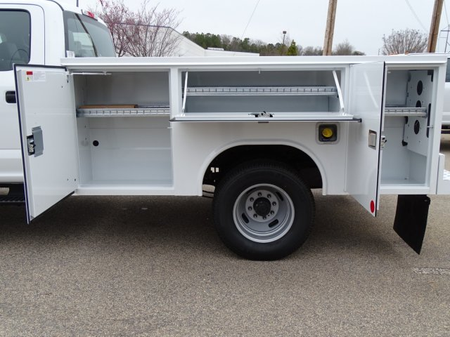 2018 F-350 Crew Cab DRW 4x4,  Reading Service Body #T889853 - photo 32