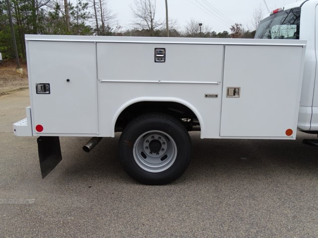 2018 F-350 Crew Cab DRW 4x4,  Reading Service Body #T889853 - photo 35