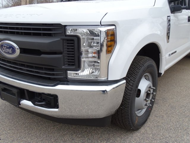 2018 F-350 Crew Cab DRW 4x2,  Reading Service Body #T889886 - photo 9