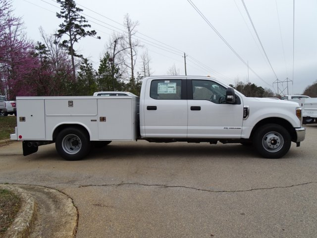2018 F-350 Crew Cab DRW 4x2,  Reading Service Body #T889886 - photo 5
