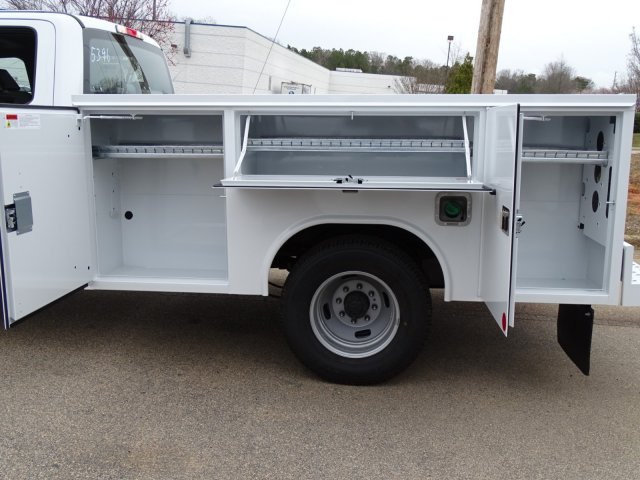 2018 F-350 Crew Cab DRW 4x2,  Reading Service Body #T889886 - photo 31