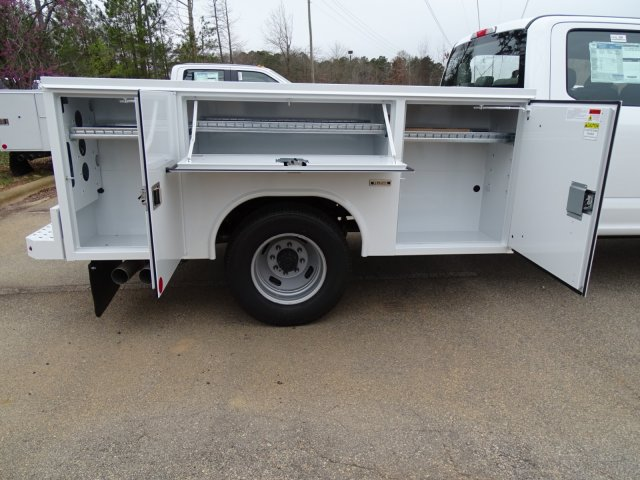 2018 F-350 Crew Cab DRW 4x2,  Reading Service Body #T889886 - photo 35