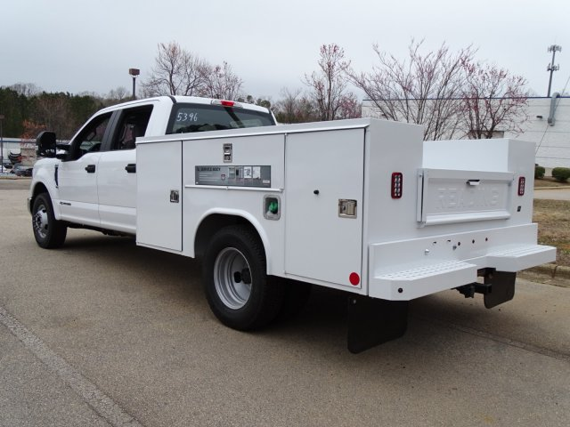 2018 F-350 Crew Cab DRW 4x2,  Reading Service Body #T889886 - photo 4