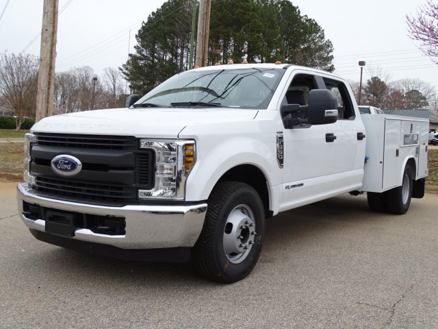 2018 F-350 Crew Cab DRW 4x2,  Reading Service Body #T889886 - photo 3