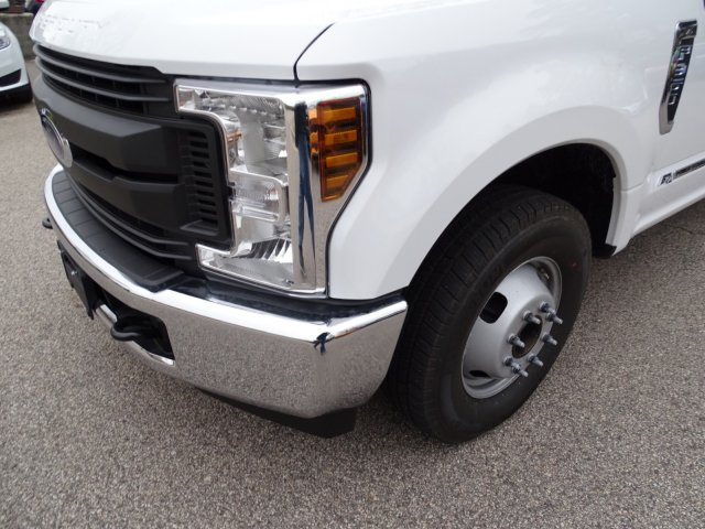 2018 F-350 Crew Cab DRW 4x2,  Knapheide Platform Body #T889895 - photo 9