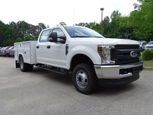 2018 F-350 Crew Cab DRW 4x4,  Reading Service Body #T889981 - photo 3