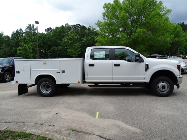 2018 F-350 Crew Cab DRW 4x4,  Reading Service Body #T889981 - photo 5