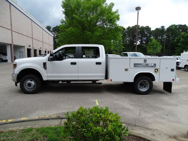 2018 F-350 Crew Cab DRW 4x4,  Reading Service Body #T889981 - photo 7