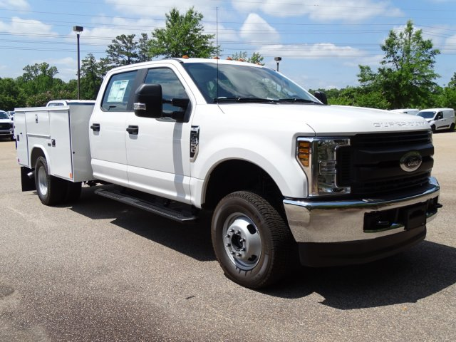 2018 F-350 Crew Cab DRW 4x4,  Reading Service Body #T890056 - photo 3