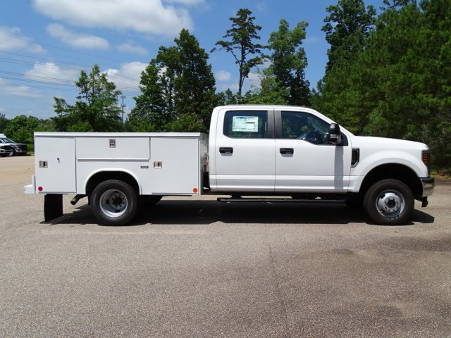 2018 F-350 Crew Cab DRW 4x4,  Reading Service Body #T890056 - photo 4