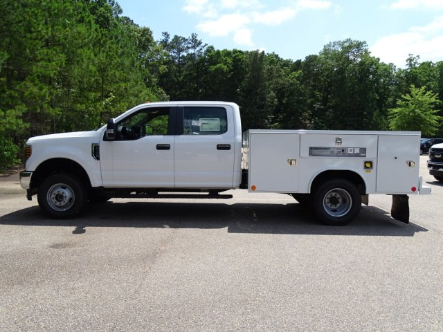 2018 F-350 Crew Cab DRW 4x4,  Reading Service Body #T890056 - photo 7