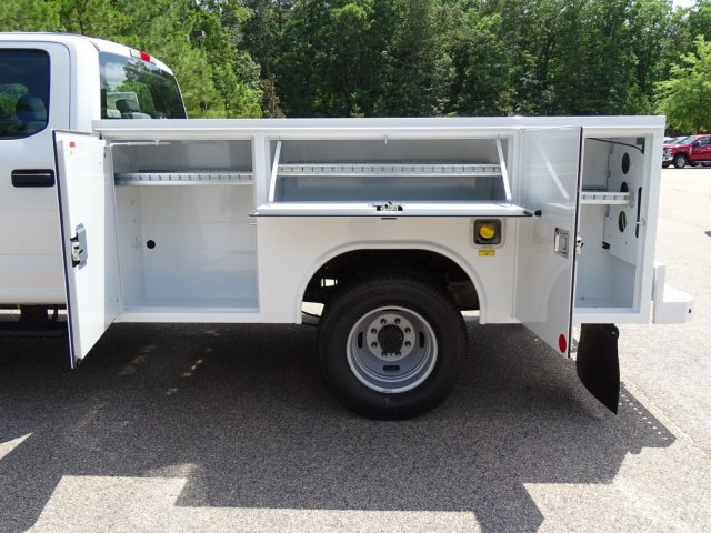 2018 F-350 Crew Cab DRW 4x4,  Reading Service Body #T890056 - photo 35