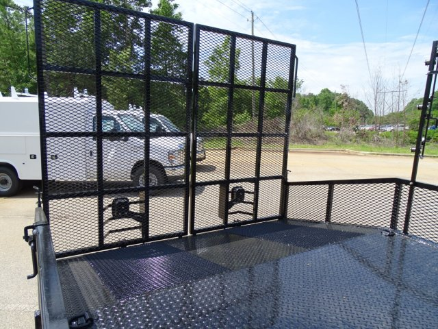 2018 F-350 Regular Cab DRW 4x2,  PJ's Truck Bodies & Equipment Dovetail Landscape #T890235 - photo 31